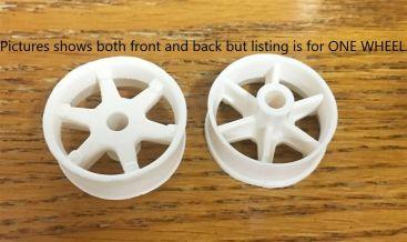 Ertl Repro 1:16 Scale Fleetstar/Loadstar Spoke Wheel Toy Part Main Image