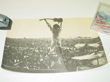 Insert from THE WHO 1970 Live at Leeds Album Pete Townsend at Isle of Wight Main Image